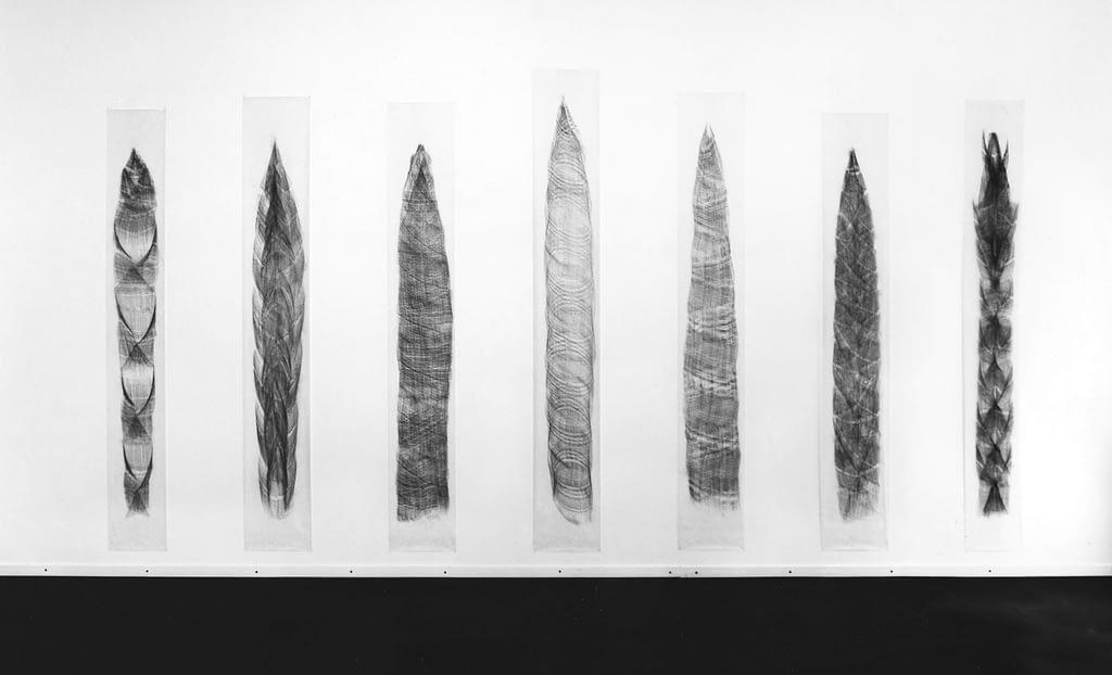 """""""Sprossen"""", 1992, Bleistift auf Transparentpapier, je 238 x 35 cm Aufnahme: Centre Pasquart, Biel"""