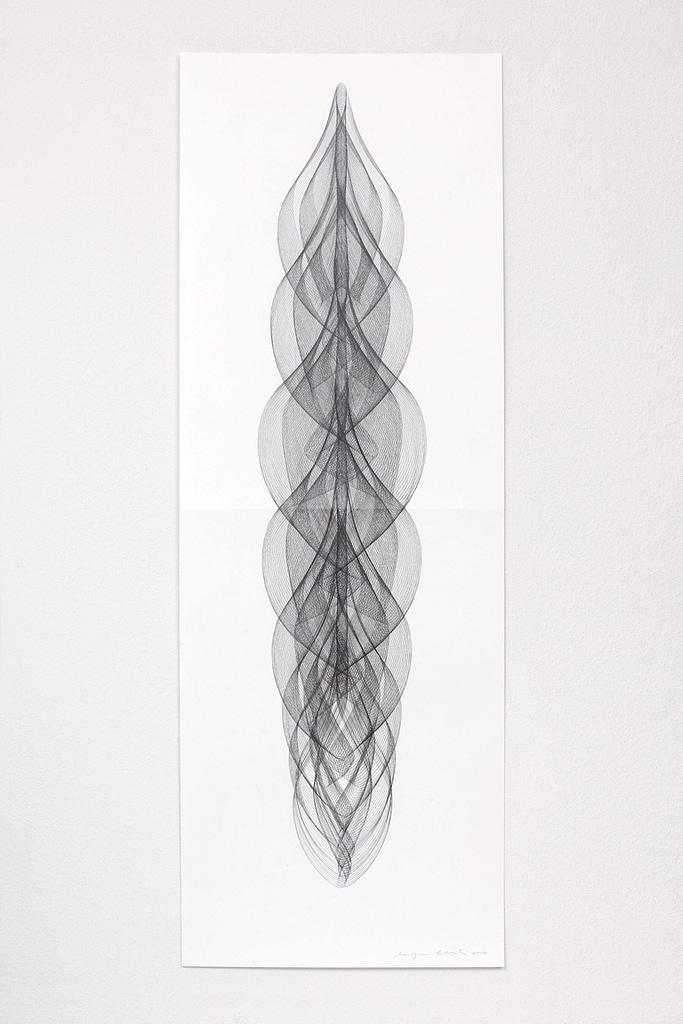 """Aus der Serie """"Zentriert"""", 2018, Bleistift auf Papier, 168.2 x 59.4 cm"""